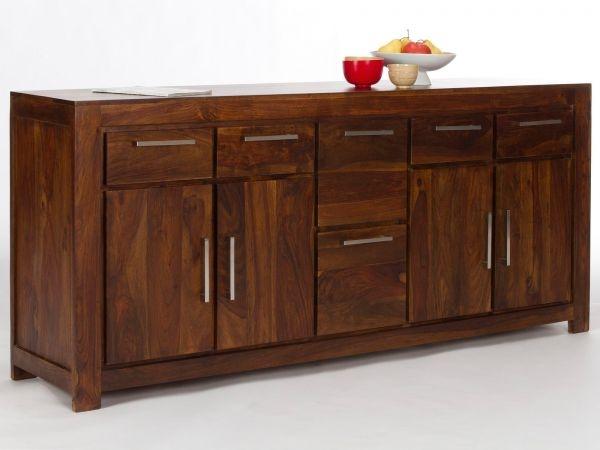 Rustikálny nábytok dokreslí atmosféru vášho domova