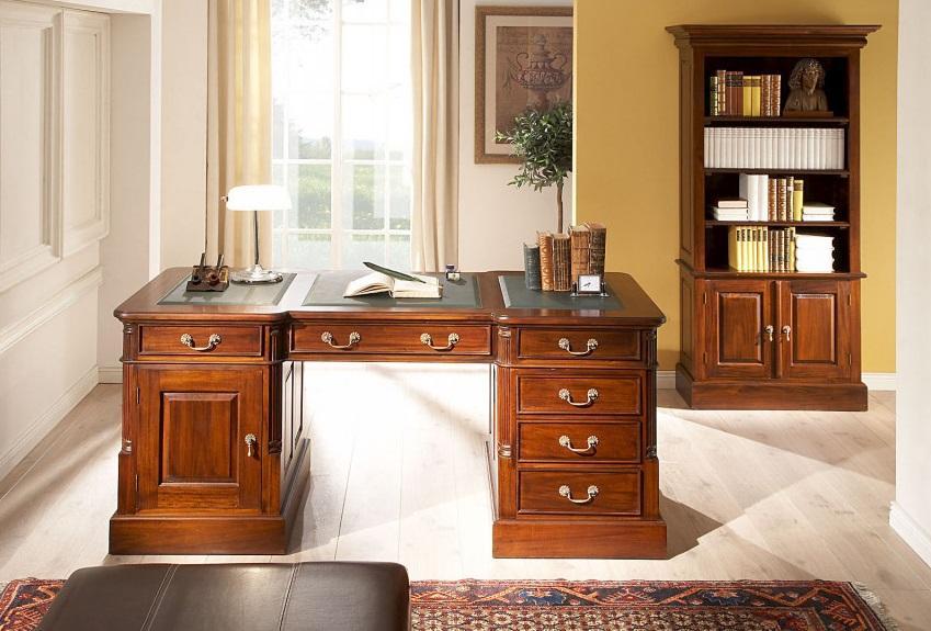 Luxusný rustikálny masívny nábytok do kancelárie.
