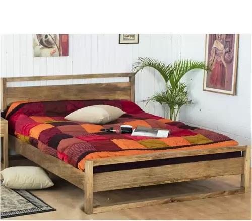 Do spálne sa najlepšie hodia kvalitné postele z masívu